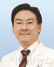 최영웅 교수.jpg