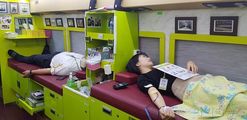 유영제약 임직원 헌혈 봉사.jpg