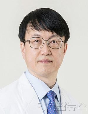 김용욱 교수.jpg