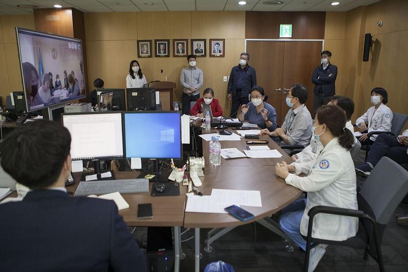 서울의료원 카자흐스탄 코로나19 대응 긴급 화상회의.jpg