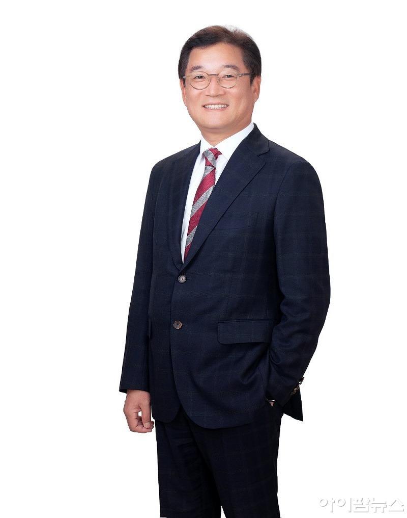 JP모건 헬스케어 컨퍼런스에서 발표를 진행할 HK inno.N 송근석 전무(CTO).jpg