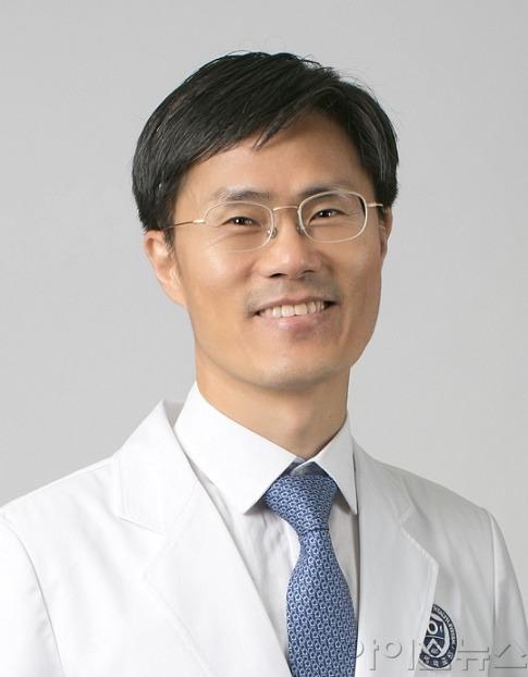 산부인과 김상운 교수.jpg
